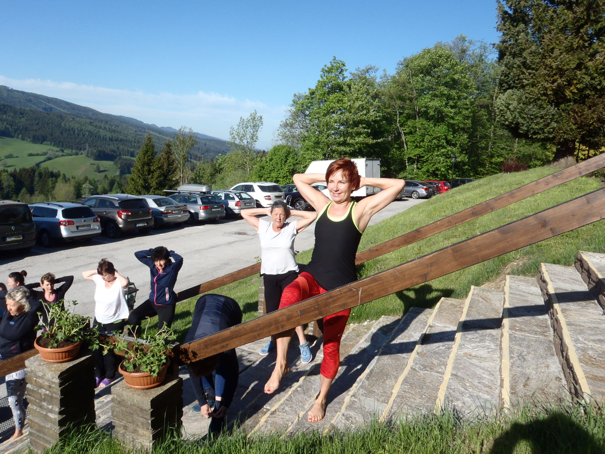 alpenhof-rekondicni-pobyt-fitpainfree-cvicebni-metoda-pomoc-bolest-zada-kycle-kolena-ramena-hanatoufarova-cvicenibrno