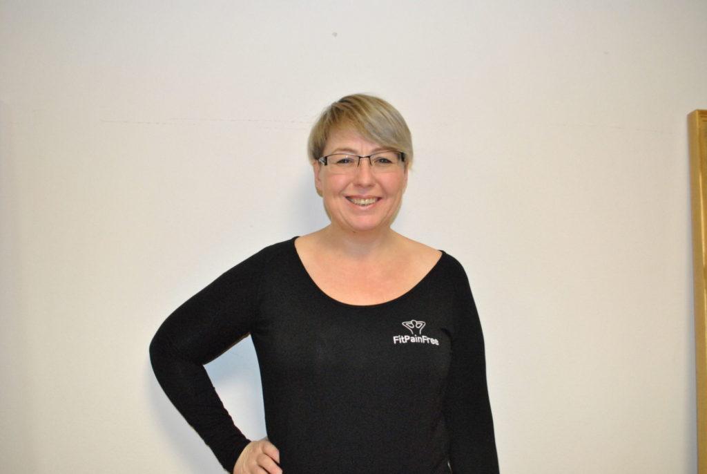 lenka-hrdinova-fitpainfree-lector-instructor-zdarnadsazavou-cviceni-rehabilitace-fyzioterapie-hanatoufarova