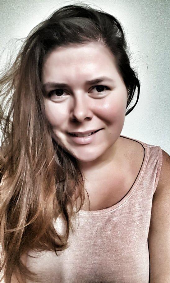 asistentka-fitpainfree-hanatoufarova-metoda-cviceni-bezbolesti-workout-czech-company-pohyb-zdravi